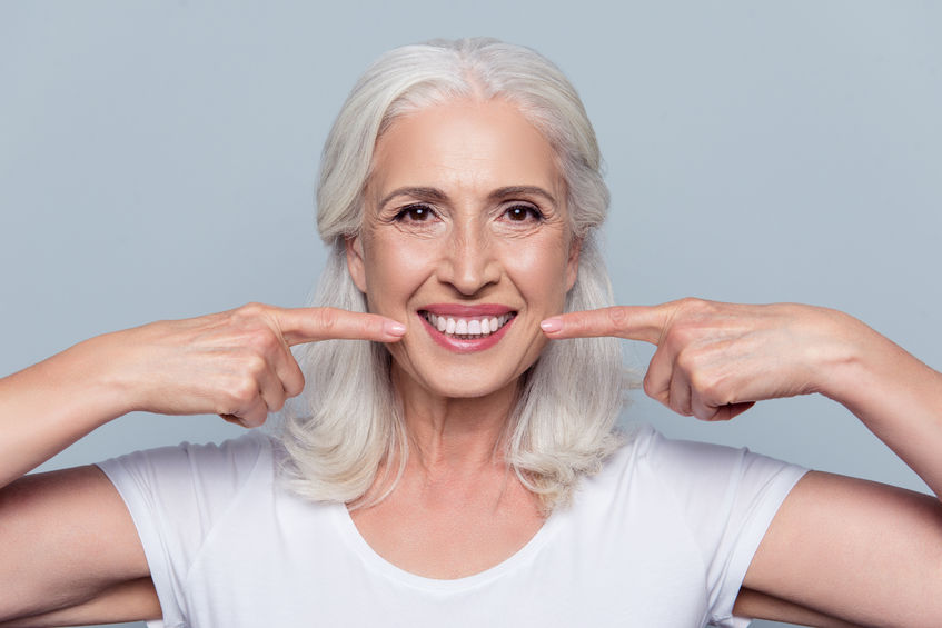 Read more about the article A Patient's Guide to Wearing Dentures