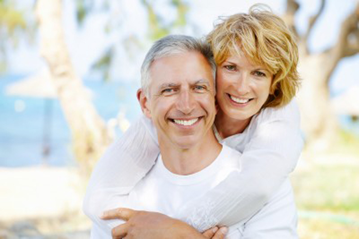 You are currently viewing Different teeth replacement options to choose from