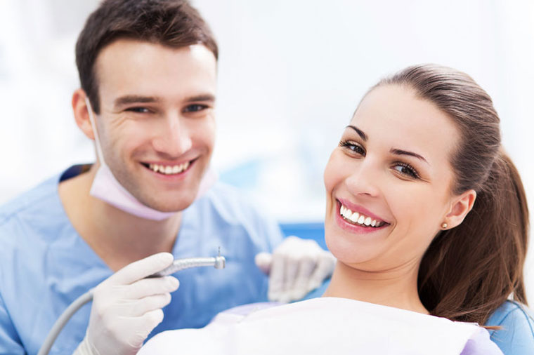 You are currently viewing Exposed tooth root causes and treatment